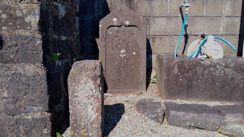 坂東寺 石塔
